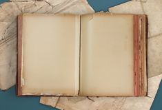 Free Old Book And Papers Royalty Free Stock Photography - 134517367