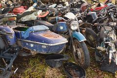 Free Old Broken Rusty Bicycles, Motorcycles, Toy Cars. Stock Photo - 180653420