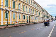 The old building of the Ministry of Defence and tuk tuk Royalty Free Stock Photos