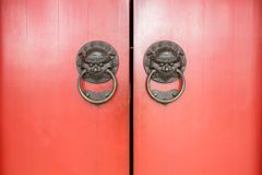 Chinese door of  Buddha Tooth Relic Temple, Singapore Royalty Free Stock Images