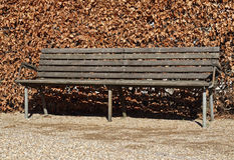 Classic park bench Royalty Free Stock Photos
