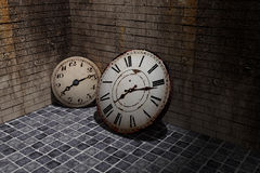 Old clock. 3d rendering of an old clock on a dirty and old wall Royalty Free Stock Photography