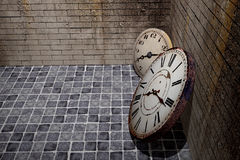 Old clock. 3d rendering of an old clock on a dirty and old wall Stock Photos