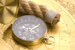 Old compass and rope Royalty Free Stock Photos