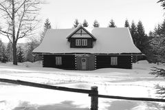 Old cottage in winter Royalty Free Stock Images
