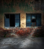 Old cracked or grungy house Stock Photos