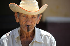 Old cuban man smoking a cigar Royalty Free Stock Photography