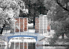 The old destroyed bridge in park, Royalty Free Stock Photos