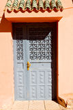 old door in ornate brown Royalty Free Stock Photography