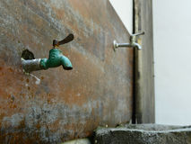 Old-fashioned faucet Royalty Free Stock Images