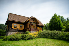 Old fashioned log wooden cottage Royalty Free Stock Images