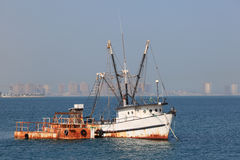 Old fishing trawler in Doha Royalty Free Stock Photos