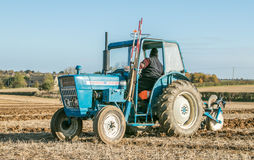 Old ford 4000 tractor ploughing Royalty Free Stock Photos