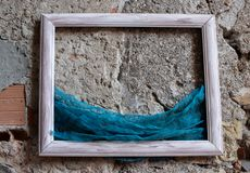 Old frame on wooden background with sea royalty free stock photos