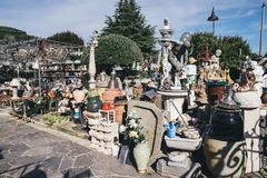 Old goods for sale in a roadside flea market. / carboot sale / garage sale in Italy stock images