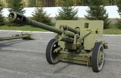 Old green artillery field cannon gun Royalty Free Stock Photos