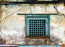 Old green window and grungy wall Royalty Free Stock Images