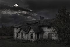 Old house under the moon 2 Royalty Free Stock Photography