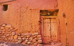 Reddish adobe wall, Abyaneh, Iran royalty free stock images
