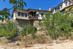 Old houses from the nineteenth century and sand pyramids in town of Melnik,  Bulgaria Stock Photography