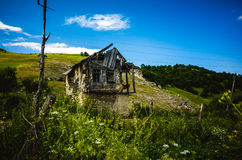 Old hut. On a hillock Royalty Free Stock Photos
