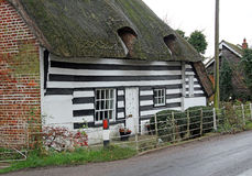 Old kent thatch cottage Stock Photo
