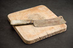 Old knife with old chopping board Royalty Free Stock Photos