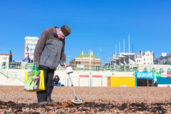 Old man and metal detector Royalty Free Stock Photography