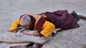 An old man was making a long kowtow Stock Image