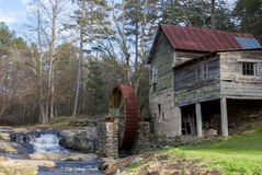 Old mill house located in north Georgia with running water Royalty Free Stock Photography