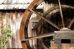 An old, operational water wheel Royalty Free Stock Photos