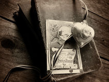 Old ornament and vintage Christmas card Stock Images