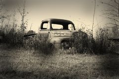 Free Old Pick Up Truck Royalty Free Stock Image - 1821056