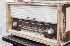 Old radio set. A retro old radio set on table Royalty Free Stock Photography