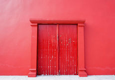 Old red door Royalty Free Stock Photos