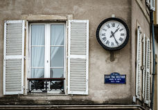 Old but renovated windows in historical part of Bruxelles stock photography