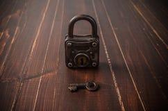 Old retro key and padlock Stock Photos