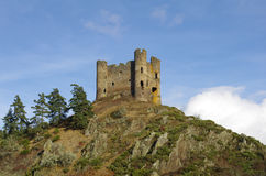 """Old ruin of """"Alleuze"""" castle in france Royalty Free Stock Photography"""