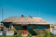Old Russian Traditional Wooden House In Village Of Belarus Or Russia Stock Photos
