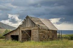 Old rustic log barn Royalty Free Stock Image