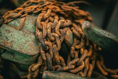Free Old Rusty Chain, Industrial Metal Steel Object Royalty Free Stock Photos - 173306748