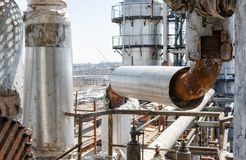 Free Old Rusty Process Pipelines In Refinery Royalty Free Stock Image - 146301806