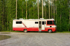An old rv at a rest stop in the yukon Stock Photography