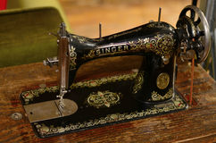 Free Old Sewing Machine Royalty Free Stock Photos - 30409308