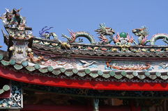 Temple roof with Chinese dragons Royalty Free Stock Photos