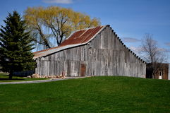 Old time grey barn Royalty Free Stock Image