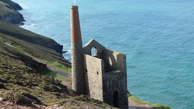 Old Tin Mine remains on cliffs in Cornwall UK Stock Photography