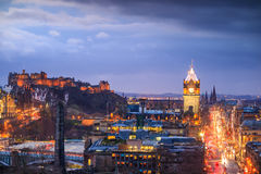 Old town Edinburgh and Edinburgh castle Stock Images