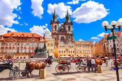 Free Old Town Square In Prague Stock Image - 142546541