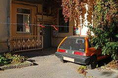 Old vehicle Honda Civic in the yard in Volgograd Stock Images